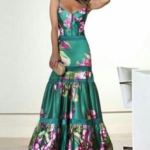 Fashion Sexy Floral Ruffles Layered Evening Dress